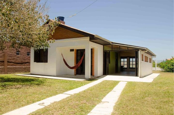 Casa Aventura em frente a praia 450 metros do rio