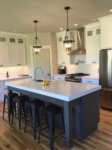 Beautiful New Family Home in Oaklands