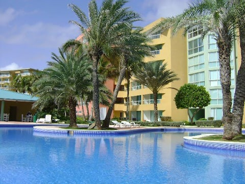 Cimarron Suites - Playa Parguito.