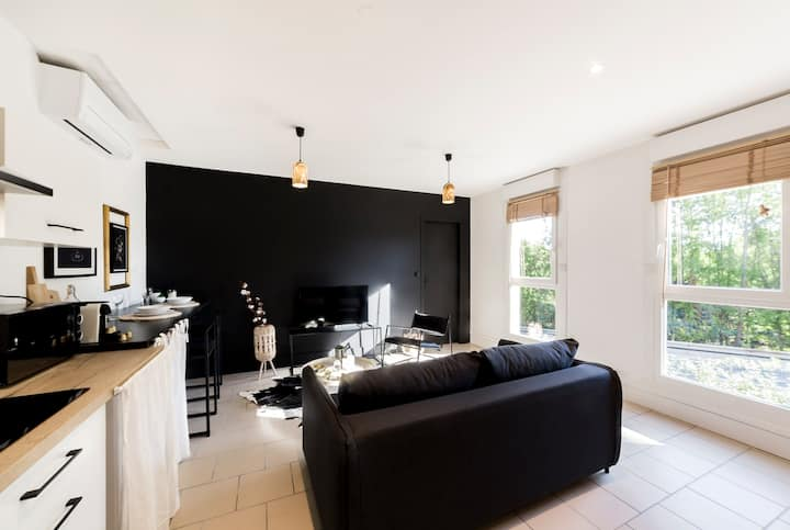 40sq m apartment renovated in 2020 by a decorator from Lyon.