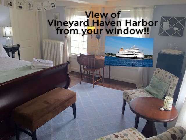 Bed & Bath w/Harbor View- Downtown!