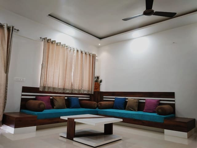 AC 2BHK beautiful fully furnished flat in Balewadi