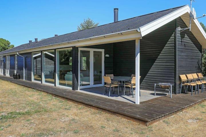 Moderna casa vacanze con terrazza ad Albaek