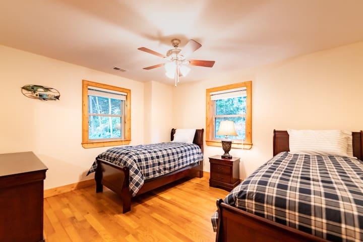 3rd Floor Rear Bedroom