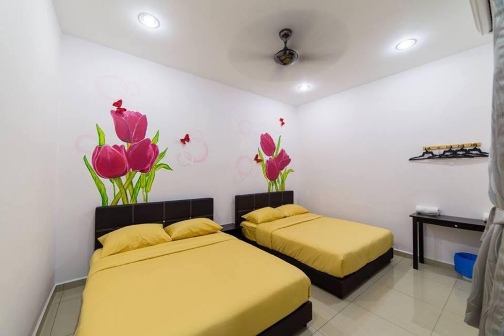 Spring Deluxe Quadruple Room with 2 Queen Beds