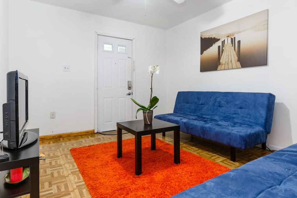 Modern apartment in union city nj apartments for rent for Bedroom furniture union nj