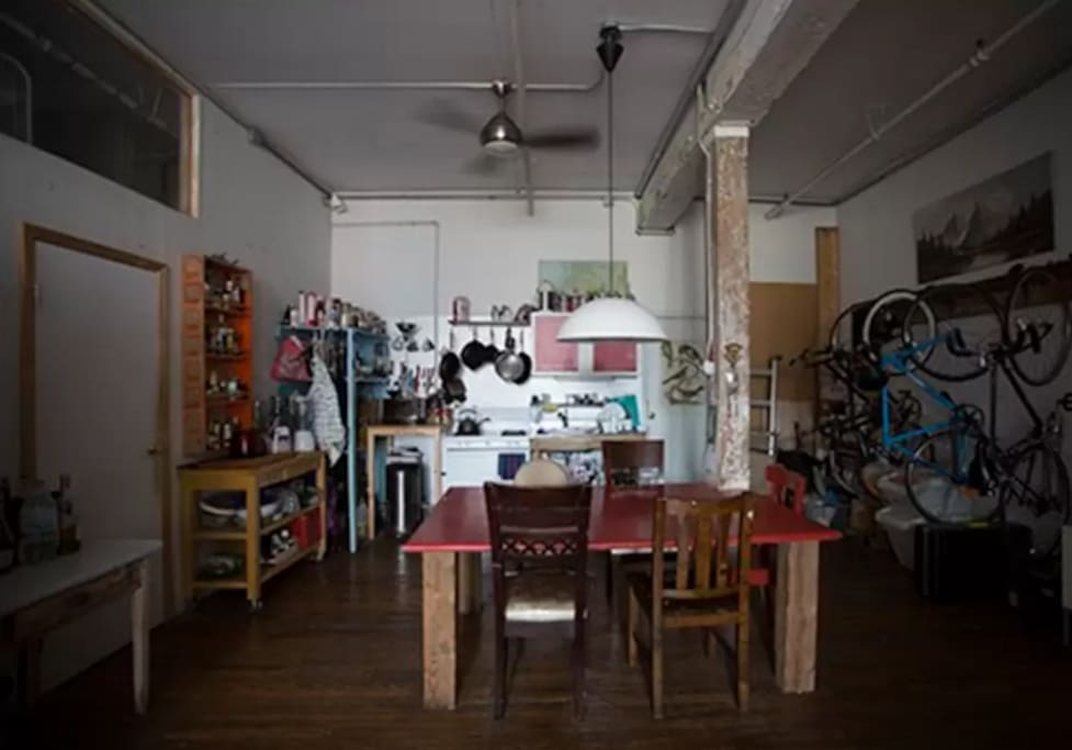 Affordable room in williamsburg flats for rent in for Williamsburg tattoo shops