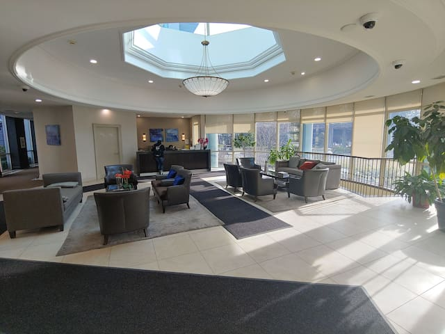 Condo Master Room For Rent Nearby Sheppard-Yonge