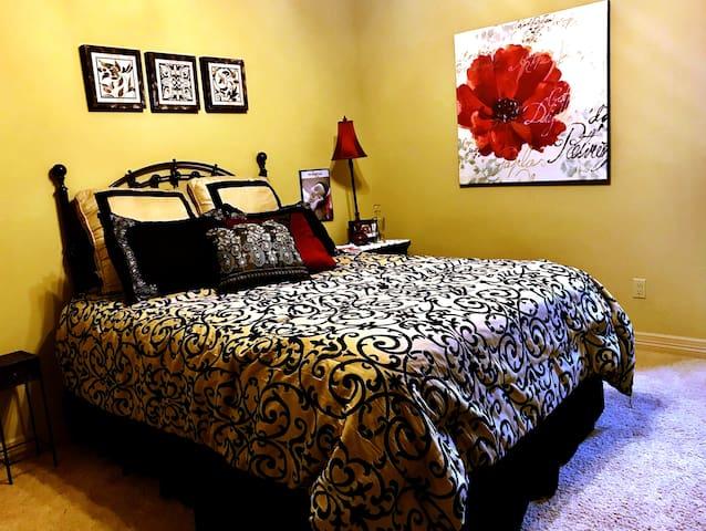 Queen Sealy Posterpedic bed