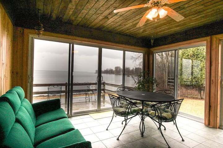 Lakefront home w/amazing water views, private dock, sauna, & 17 acres