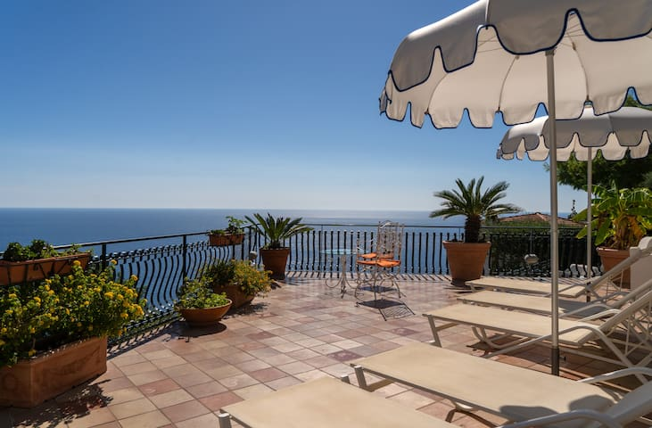 Luxury classic Room in Positano