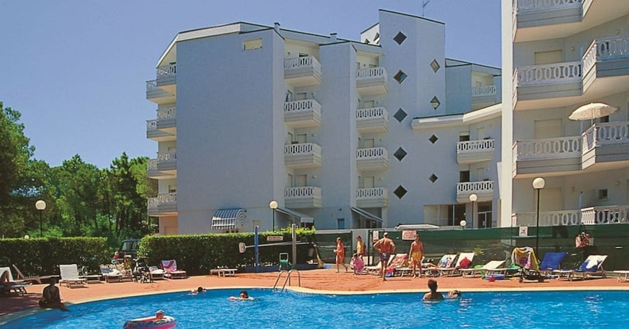 Studio for 2+1 pers with pool in Lignano R49626