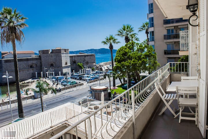 Modern flat with outstanding panoramic sea view - Toulon - Leilighet