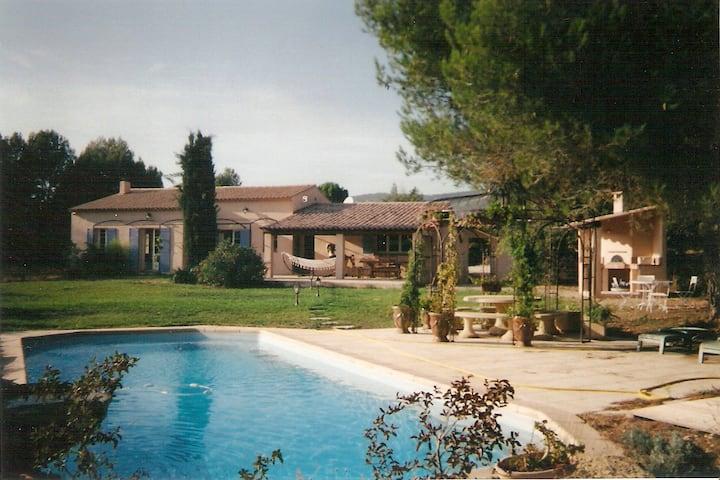 Villa à Lourmarin pour 6 personnes