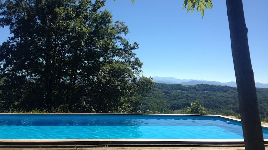 French Pyrenees gite, heated pool, mountain views