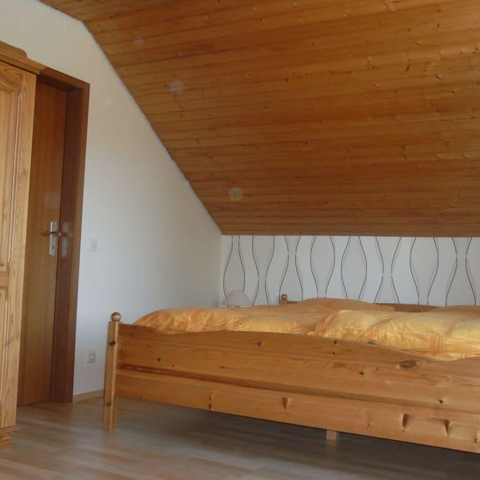 Schlafzimmer (3 Betten)