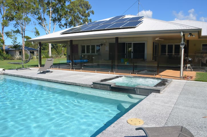 Your own little snippet of PARADISE - Noosa - Hus