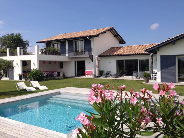 Biarritz, Villa d Archi 5* 10 pers, pisc, pétanque