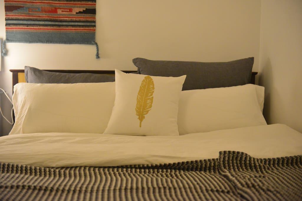 精心准备的床品。