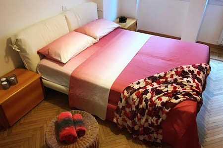 Enjoyable Safe stay in Milan (XL private bedroom)