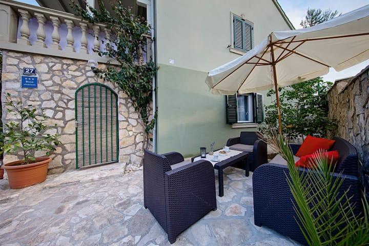 Luxurious apartment Amethyst - Vis