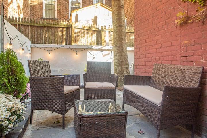 2 br /2 bath apt with private patio+breakfast