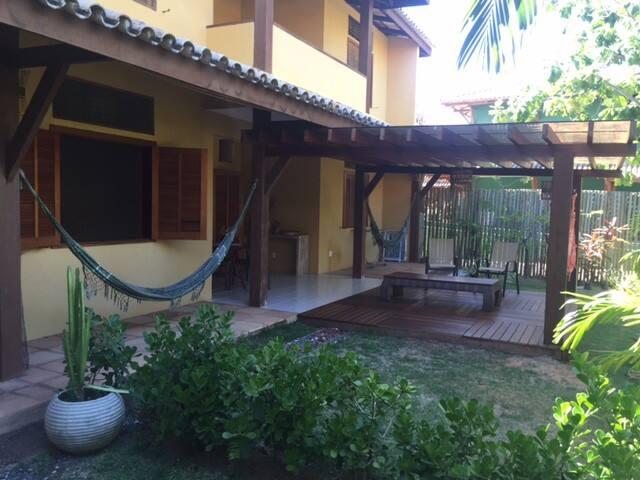Apart Solar dos Peixes  Conforto e Localizacão - Praia do Forte - อพาร์ทเมนท์