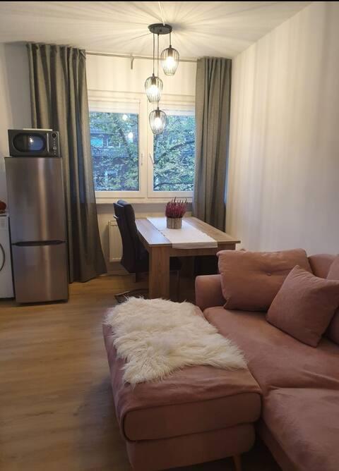 Gemütliche Wohnung mit Balkon und Privatparkplatz