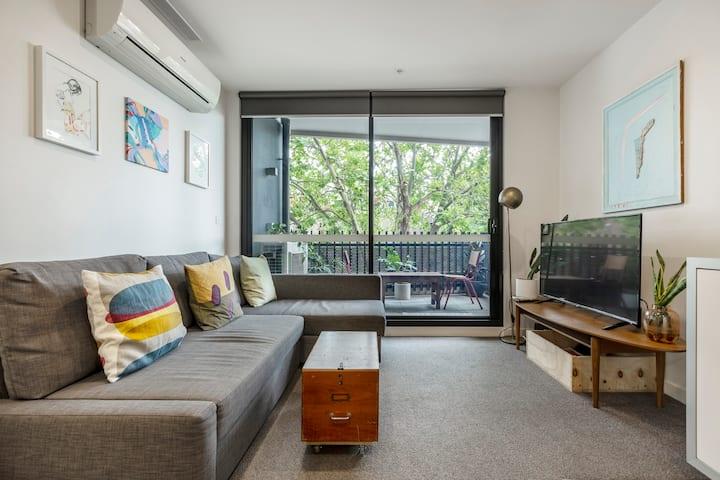 Quiet Collingwood Apartment