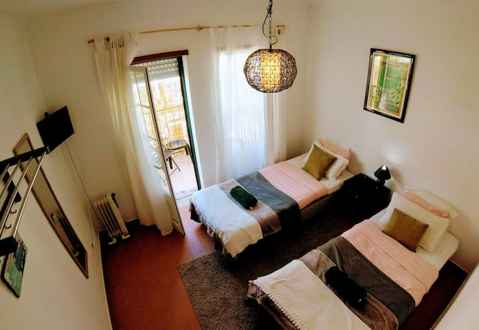 AP2 Private twin room with private balcony