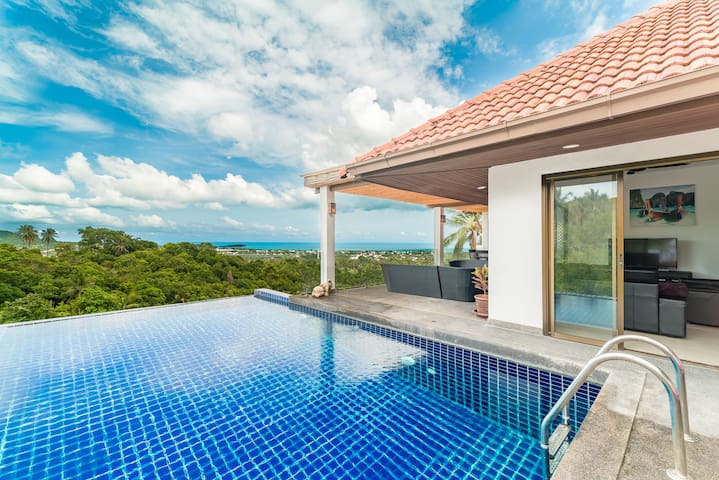 Villa Rich Seaview 3 BR + Private Pool Chaweng