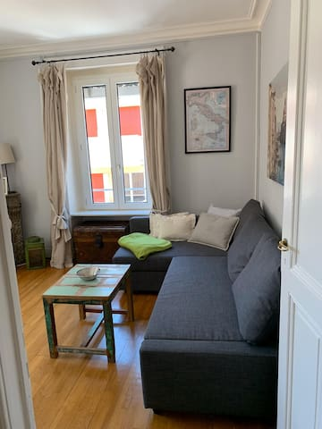 One bedroom corner flat in Eaux Vives, Geneva