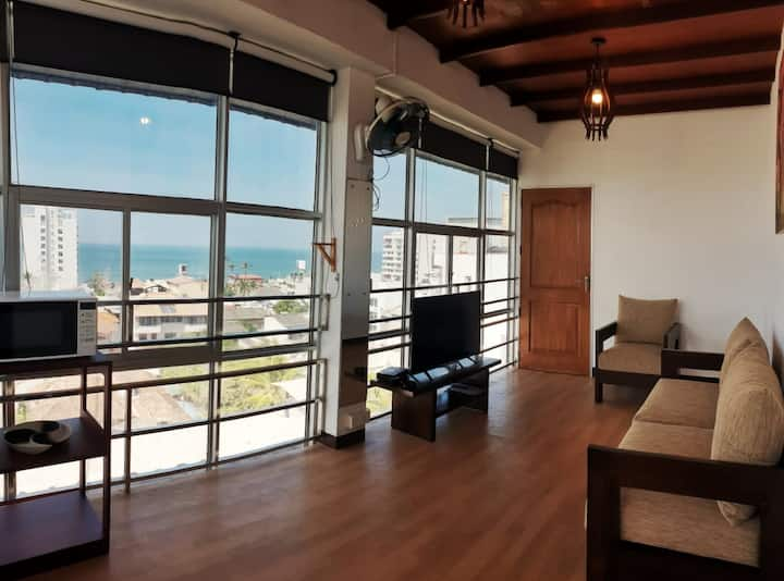 1BR Apartment in Colombo (Beach view)