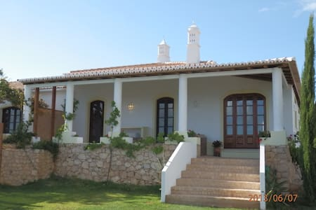 Luxury villa with stunning view - São Bartolomeu de Messines