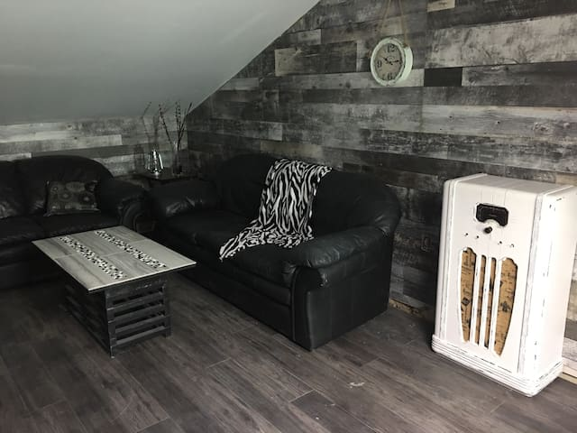Unique 2 bedroom Loft Apartment - Leamington - Pis