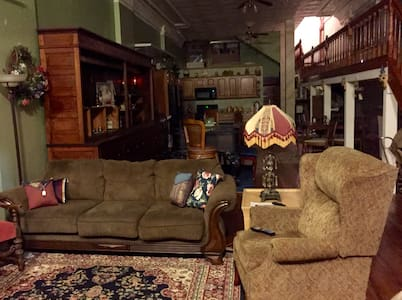 Vintage Reflections Extended Stay - Bed & Breakfast