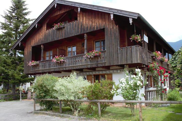 Landhaus in Winkl, Deutschland, nahe den Bayerischen Alpen