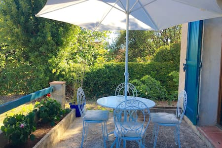Appartement en rez de villa - Saint-Cyr-sur-Mer - Haus