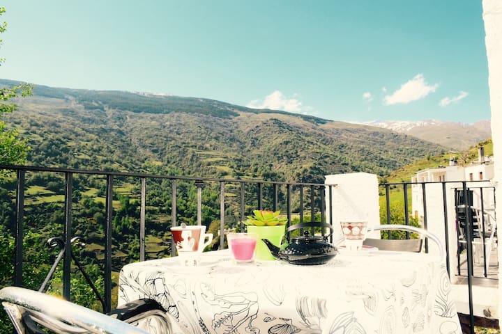 APARTAMENTOS VISTA VELETA 4 PERSONAS - Capileira - Apartment