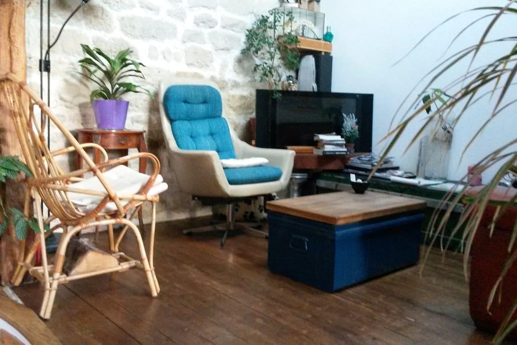 Chambre lit double situation ideal appartements louer for Appartement atypique a louer ile de france
