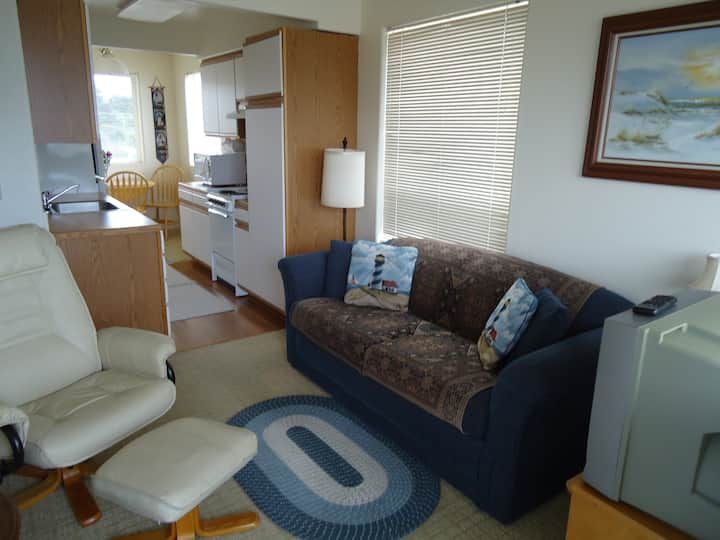 Yaquina Suite Bedroom Kitchen Suite W/Beach Access