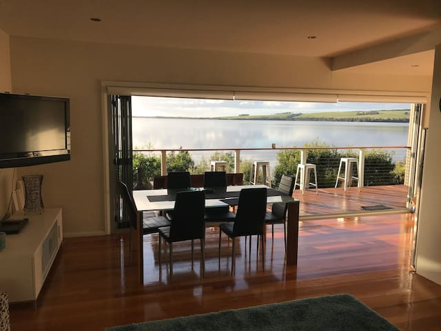 Amazing Ansons Bay Absolute Waterfront Beach Home