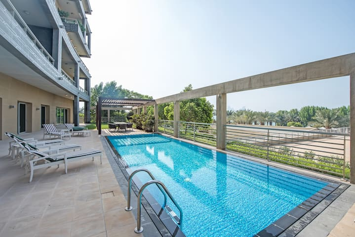 Luxurious 4BR Penthouse With Private Swimming Pool