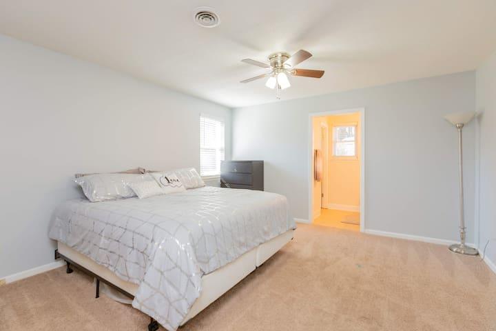Augusta Home - 3Bed/2Bath