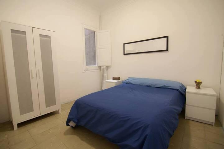 Private Room next to Casa Batló - Barcelona - Lägenhet
