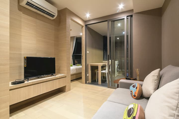 曼谷中心双轨交汇高级套房公寓(BTS Sala Daeng&MRT Silom)