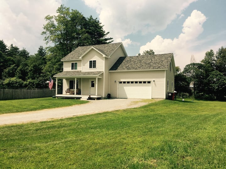Lovely Waterbury Home (Crossroads of Recreation)