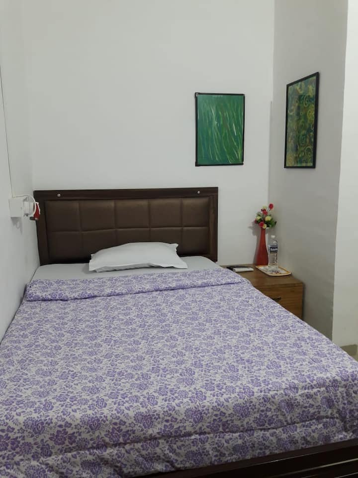 Decent,pocket friendly & clean stay in Viman Nagar