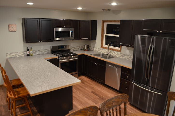 ★ Spacious Apartment ★ 1BD | Beautiful Kitchen |