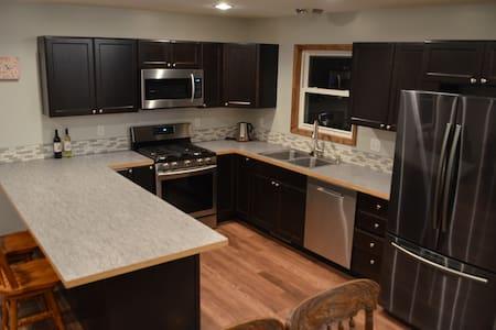 ★ Spacious Apartment ★ 1BD | Beautiful Kitchen |